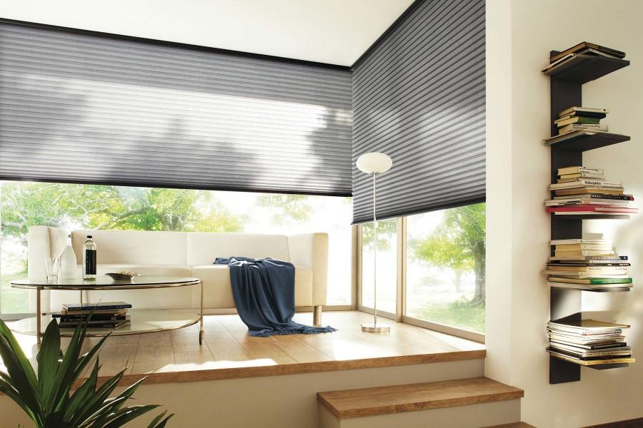 dat maakt een pliss gordijn tot een strak en tegelijkertijd elegant raamdecoratieproduct dat de ruimte sfeervol tot leven laat komen